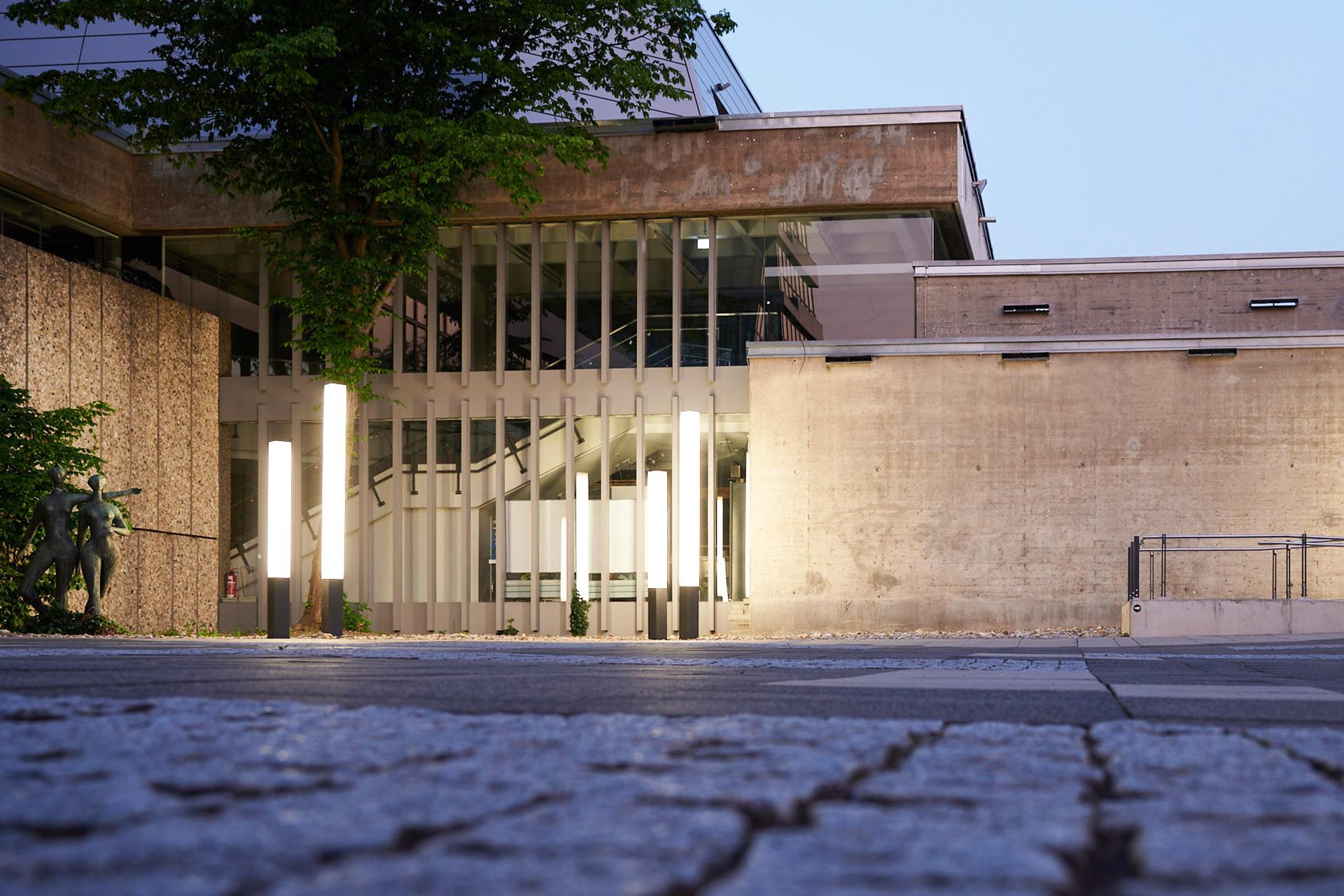 Heinrich-Lades-Halle von Vorn