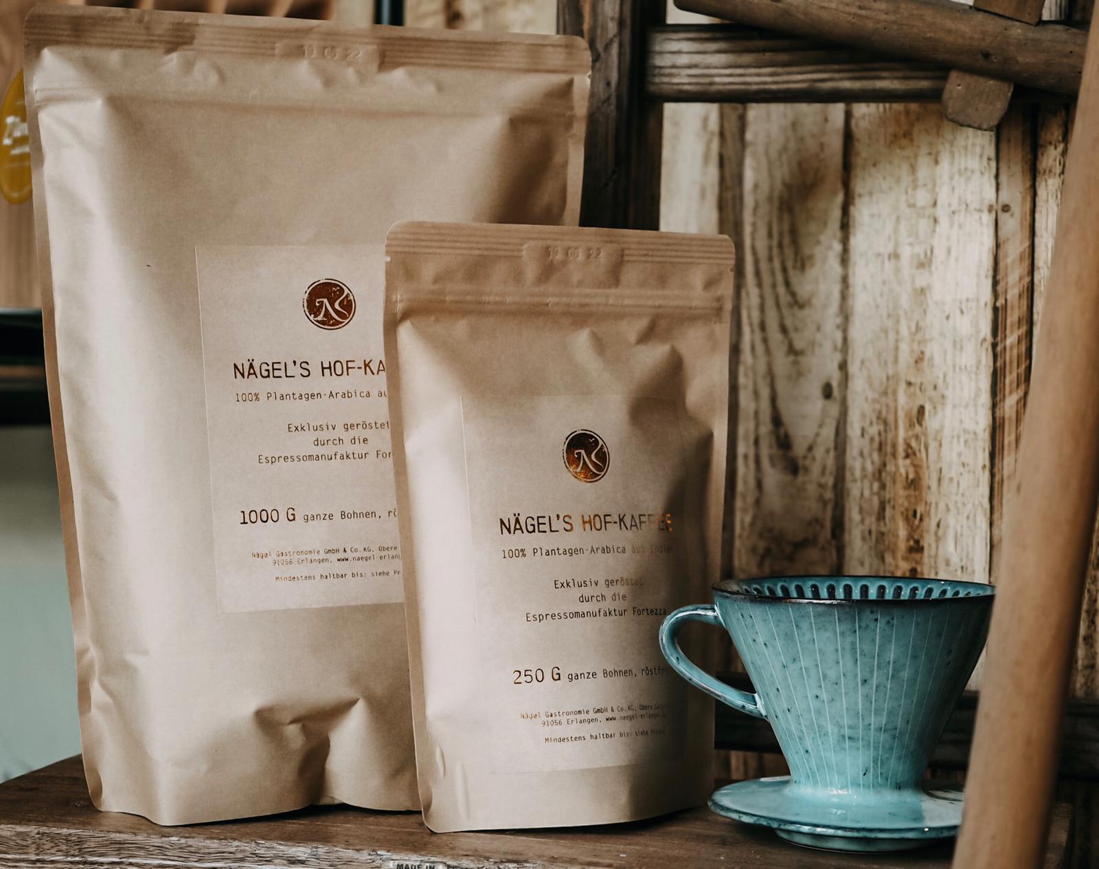 Tüten mit Nägels Hof-Kaffee